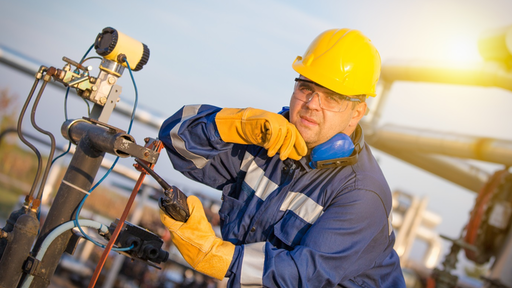 6 Critical Supply Chain and Procurement Strategies in Oil and Gas Industry